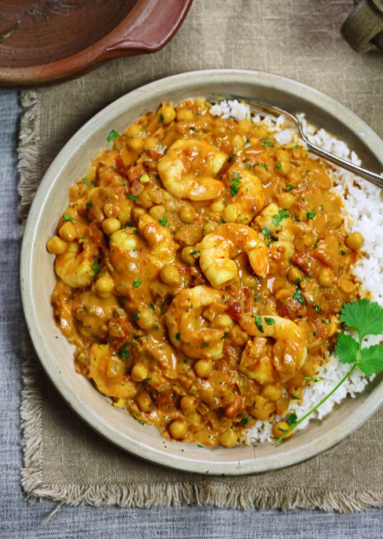 Fragrant shrimp and chickpea curry